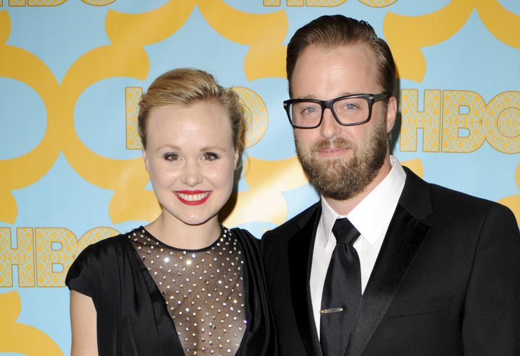 The Newsroom's Alison Pill Marries Joshua Leonard     See Wedding