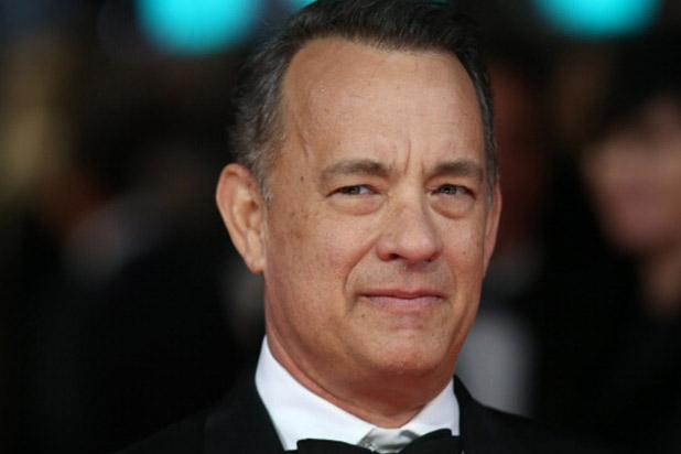 Tom Hanks Crashes Couple's Wedding Photos In Central Park