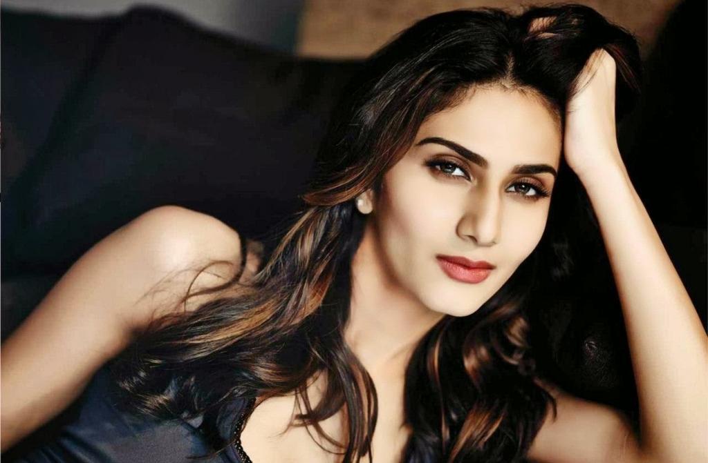 Vaani Kapoor To Star Alongside Salman Khan In 'Dho - DesiMartini