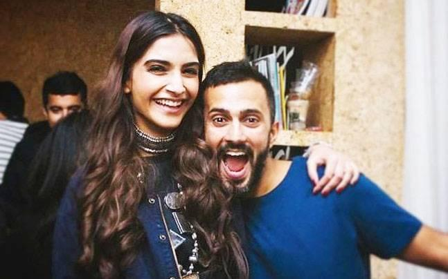 WATCH: Sonam Kapoor And Anand Ahuja Ring In The New Year In