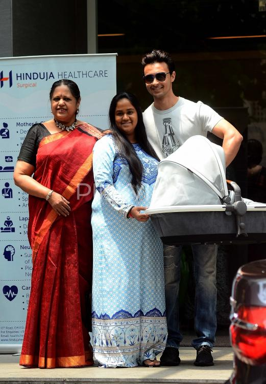 Yayy! Aayush Sharma Takes Wife Arpita And Son Ahil Home!   PINKVILLA