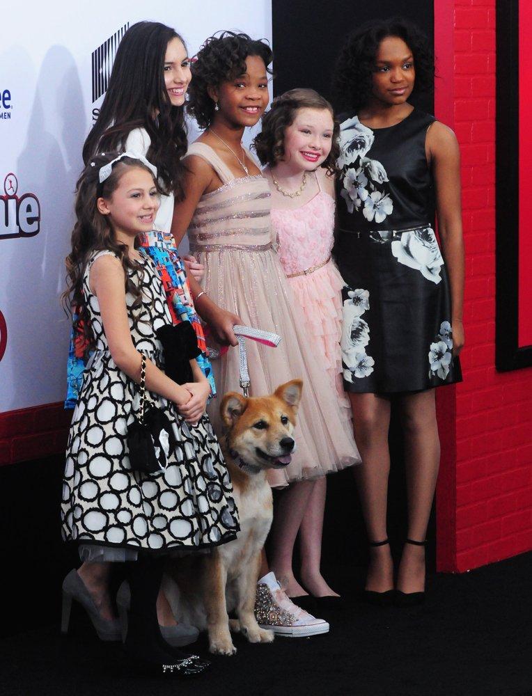 Zoe Margaret Colletti Picture 3 - New York Premiere Of Annie