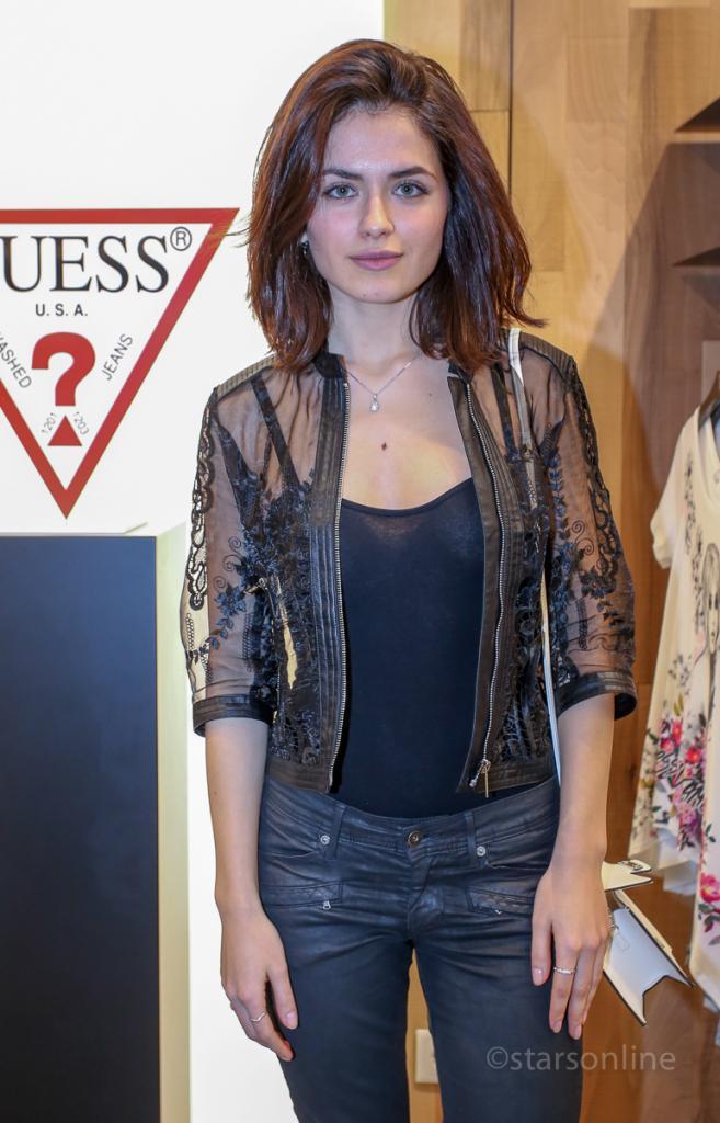 Mikaela Lupu estreia-se no teatro  Stars Online