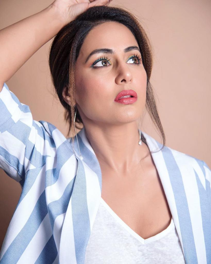 Hina Khan on a roll; bags a new plum project - EasternEye