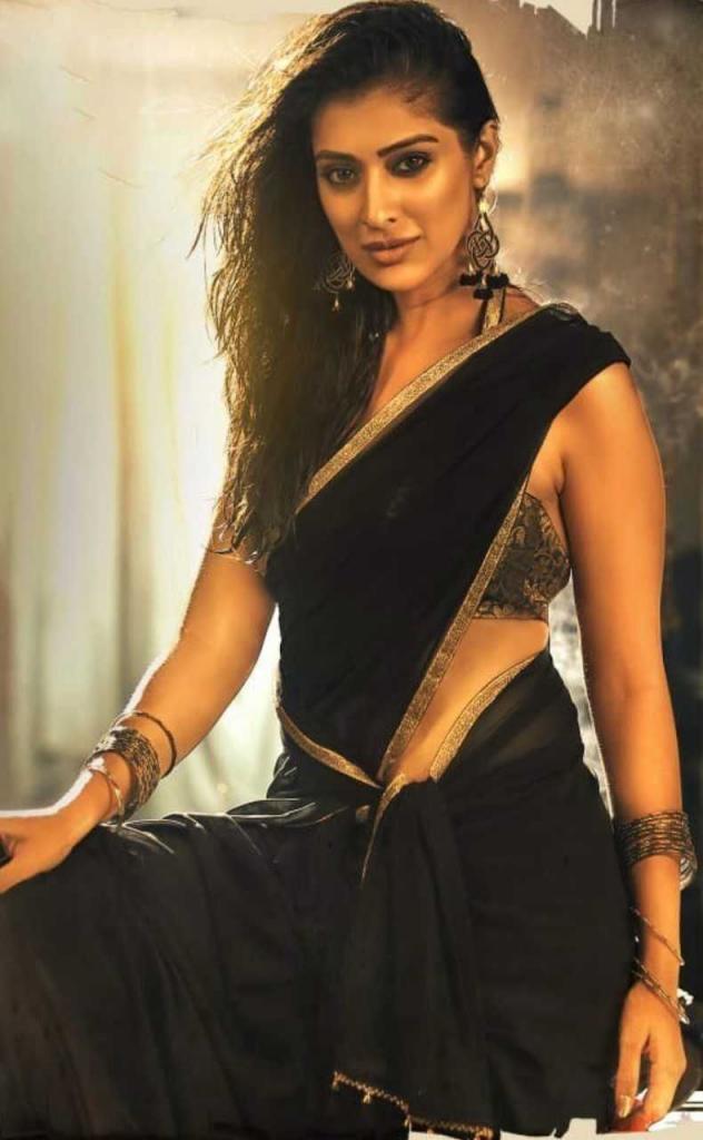 Raai Laxmi Latest Hot Spicy Wallpapers