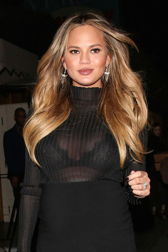 Why Chrissy Teigens Pregnancy Hair Game Is Even Better