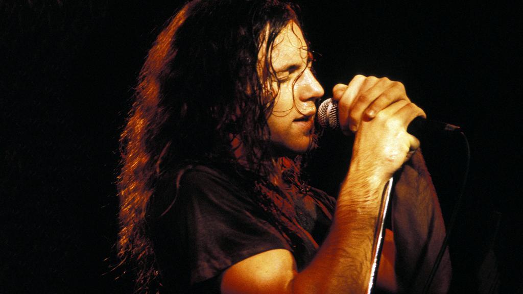 Pearl Jam's Eddie Vedder Talks Story Behind 'Jeremy' & Love Of