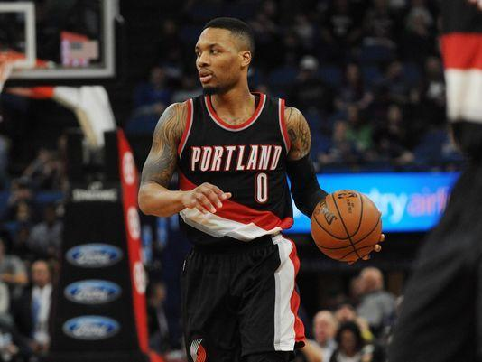 Blazers' Damian Lillard Wins Magic Johnson Award