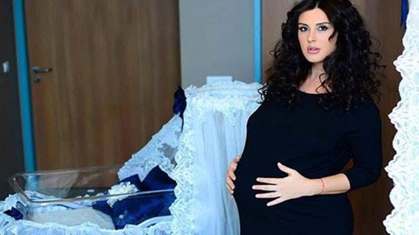 Ebru Destan: 10 Haftal K Bebe Imi Kaybettim - Magazin Haberleri
