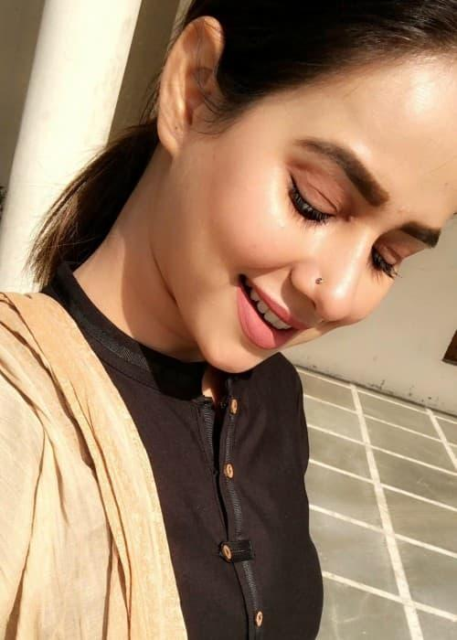 Sunanda Sharma HD Photos And Wallpapers Healthy Celeb