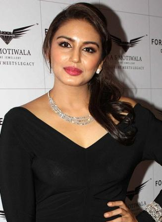 Huma Qureshi HD Images StarsUnfolded