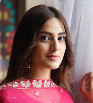 Iqra Aziz HD Wallpapers Pakistani Dramas Online