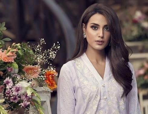 Iqra Aziz HD Images Pakistan Today