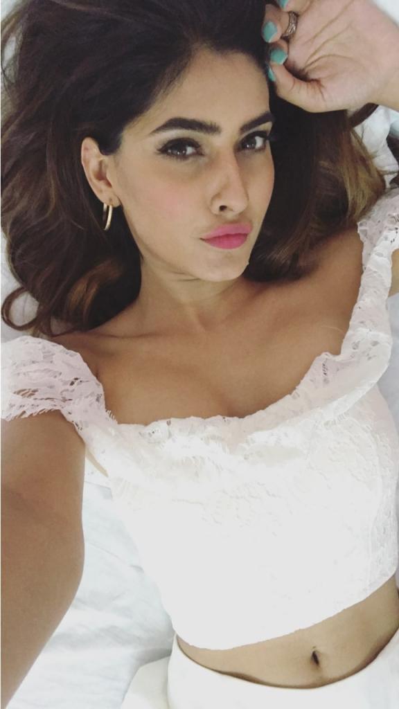 Karishma sharma seductive navel show  Desi Actress