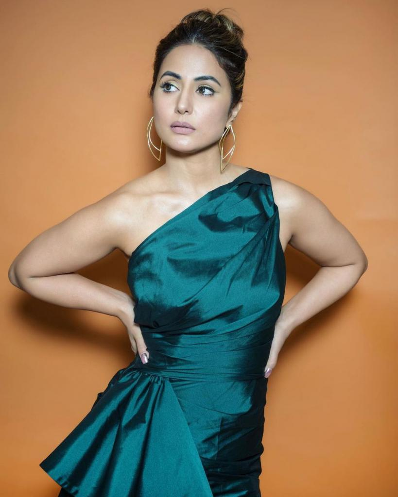 Hina Khan's Weekend Attire in Big Boss 14!  South India