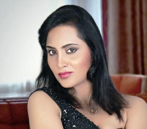 Arshi Khan Height Weight Age Boyfriend Husband Family