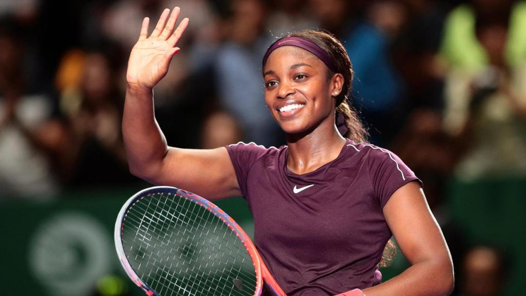 Sloane Stephens grinds down Naomi Osaka to win WTA Finals