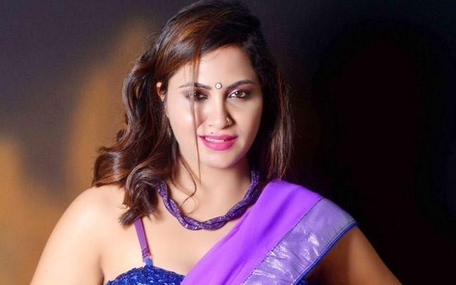 Bigg Boss 11 Controversy Queen Arshi Khan Is Married Has Ten