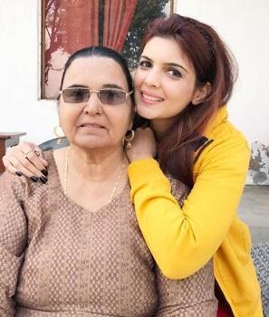 Ihana Dhillon Punjabi Model Height Weight Age Affairs