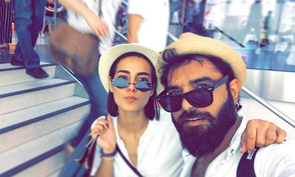 Iqra Aziz and Yasir Hussain make their Way for a Vacation