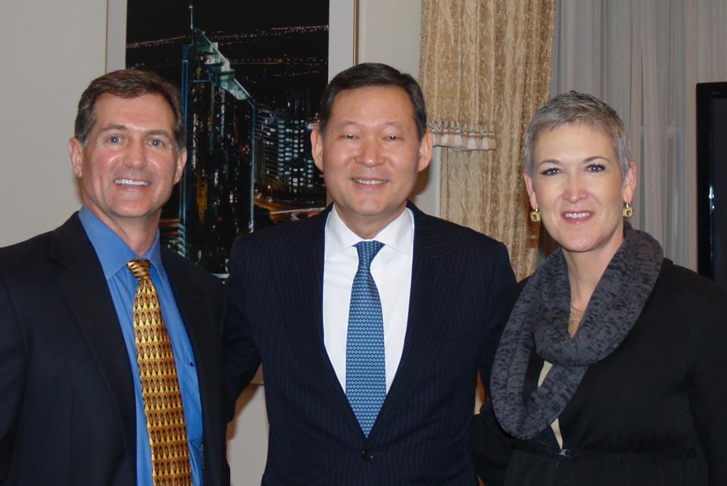 Jennifer Griffin & Greg Myre speak at EMR/MTR Roundtable