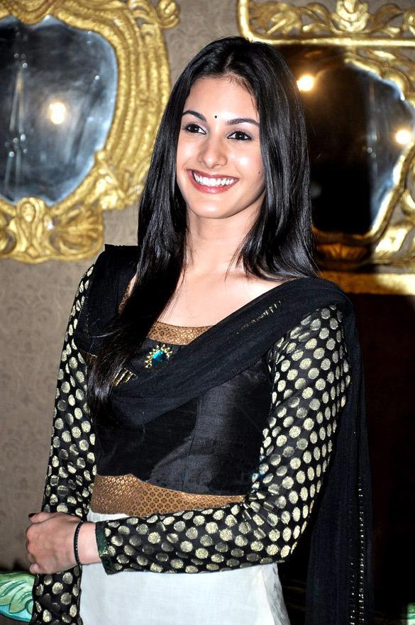 Amyra Dastur Wikipedia
