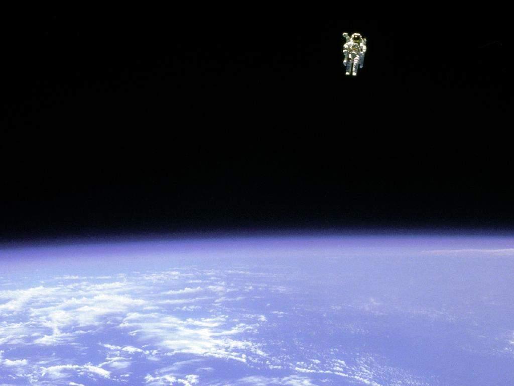 Bruce McCandless TerrifyingLooking Spacewalk Popular Science