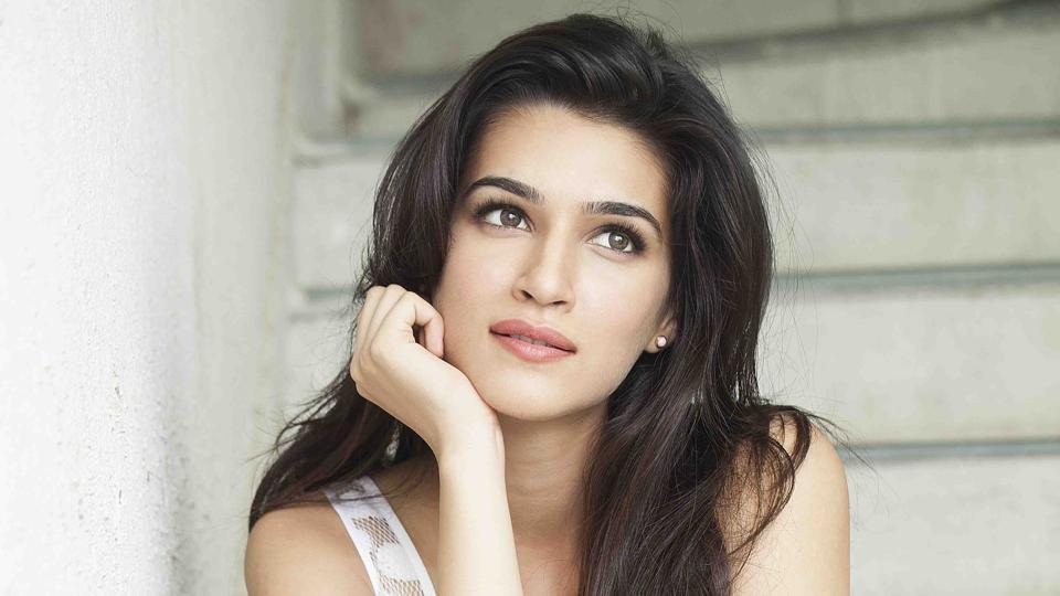 Kriti Sanon On Her Struggling Days I Was Told Im Too Goodlooking