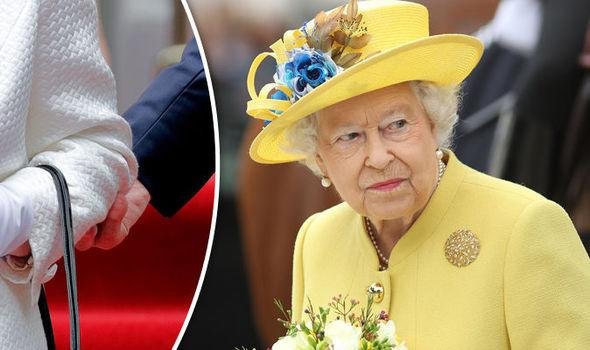 Queen Elizabeth II What You Should Never Do In Front Of Her Majesty