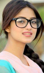 Sajal Ali Age Height Date Of Birth Biography Affairs Dramas